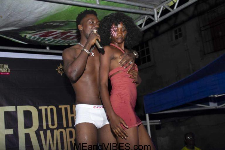 Female Fans Strip Nak*d At X-TWo J Perfomance (Photo & Video)