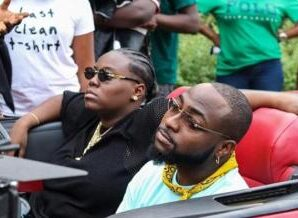 Moment Teni Pulled Davido Over On The Street To Ask For Collaboration in Her New Album (Video)