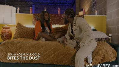 Simi Ft. Adekunle Gold – Bites The Dust (Live Performance)